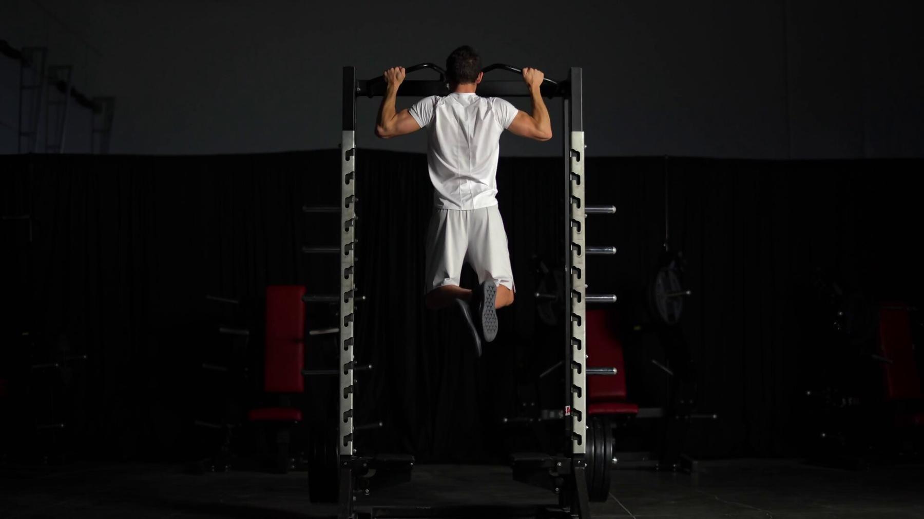 Húzódzkodás edzésterv | Technikák, melyekkel fejlesztheted a húzódzkodást