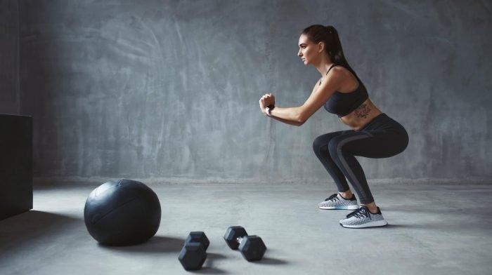 Edzőtermi és otthoni lábedzés nőknek