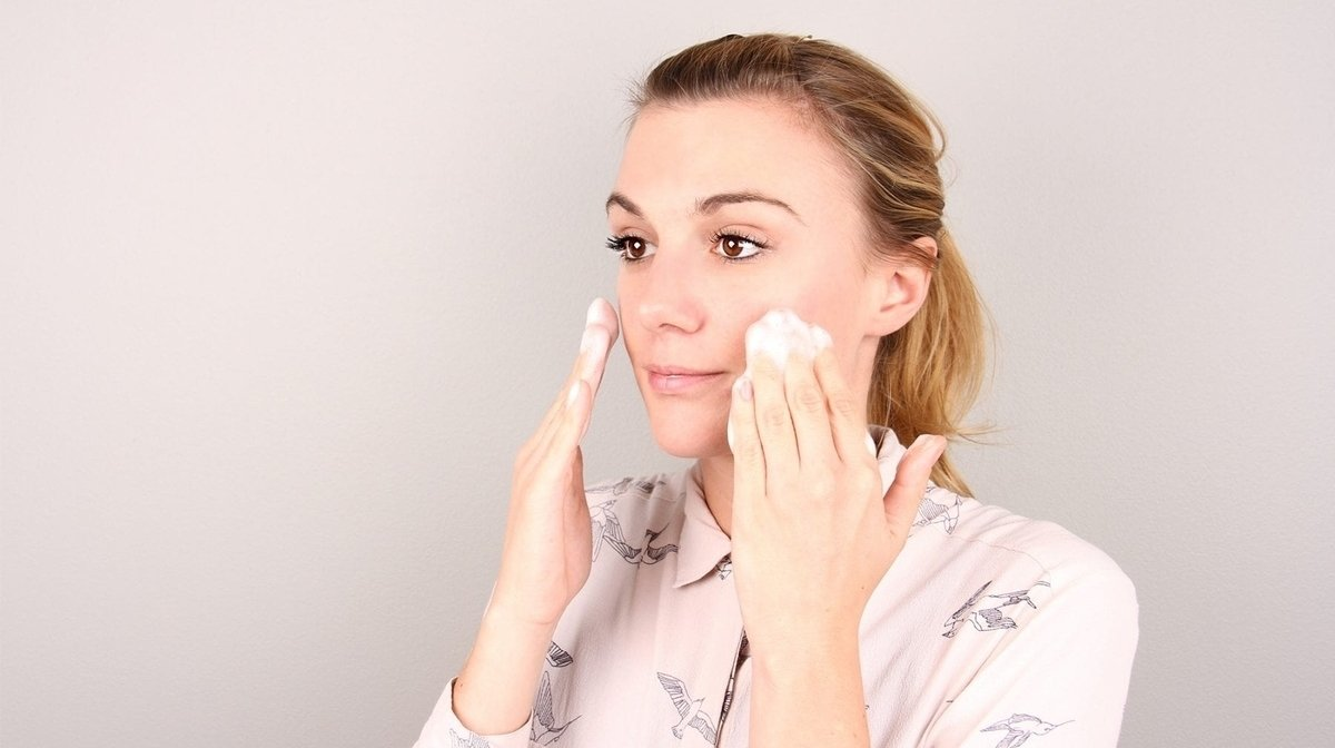 How To Cleanse Your Face And Get Glowing Skin