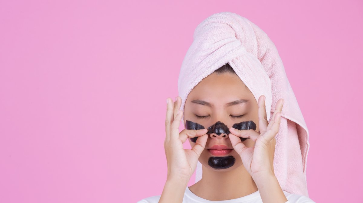 The Benefits Of Peel Off Charcoal Face Masks (And How To Use Them!)