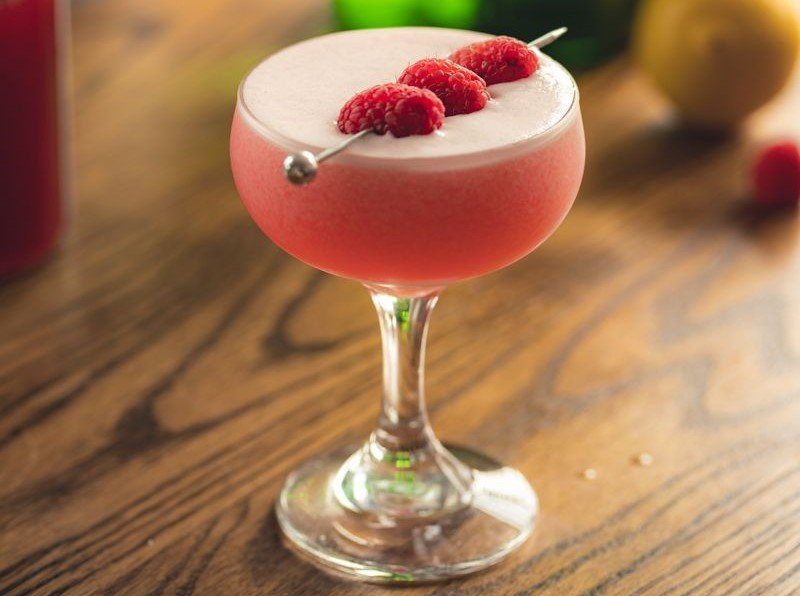 rhubarb and raspberry gin