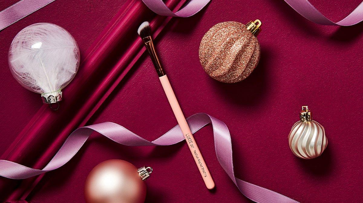 GLOSSYBOX Advent Calendar 2019 Luxie brush