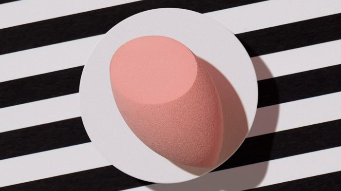 How To Use A Makeup Sponge And Clean It Properly