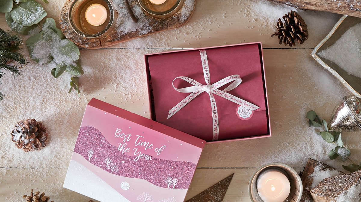glossybox-december-2020-best-time-of-the-year-christmas