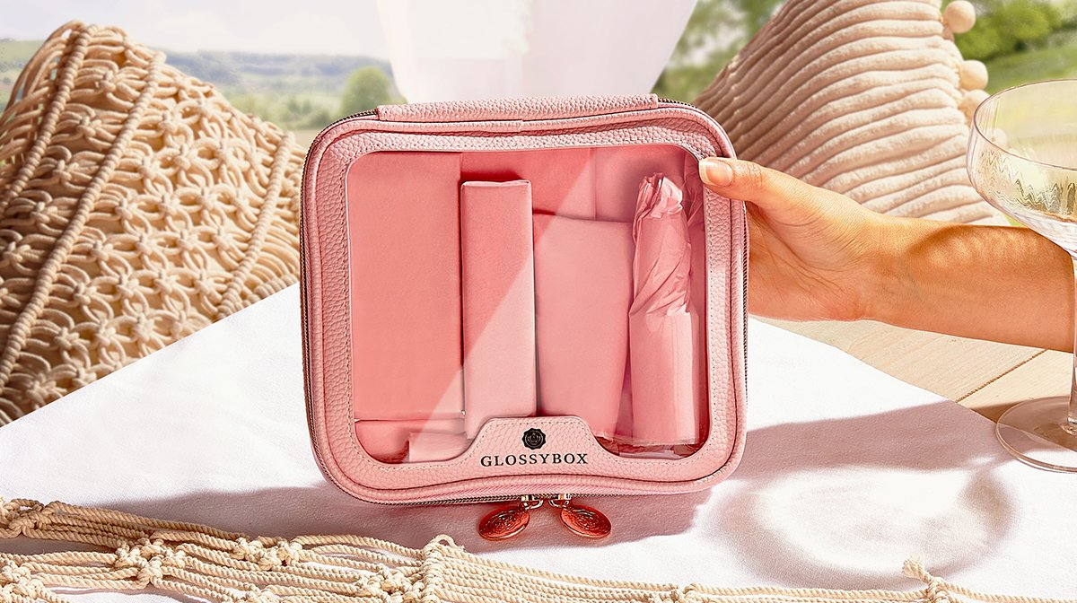 glossybox-summer-bag-limited-edition-2021