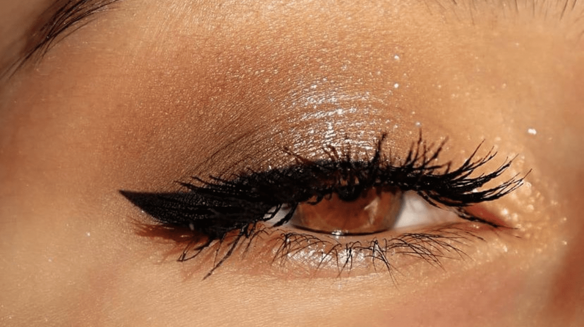 How To Create A Pur-fect Cat Eye Eyeliner Look!