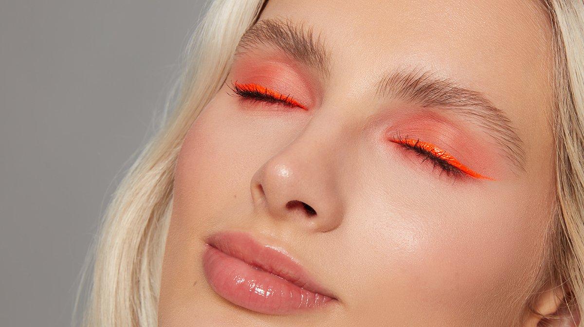 neon-look-glossybox-tutorial-mascara
