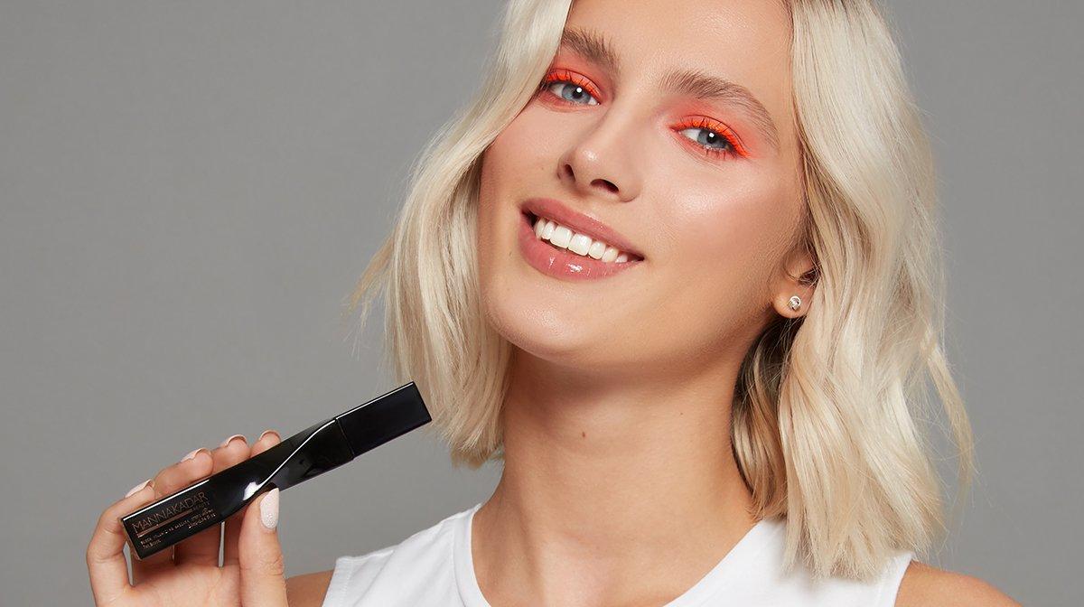 GLOSSY Tutorial: Der angesagte Neon-Look plus deine perfekten Wimpern!