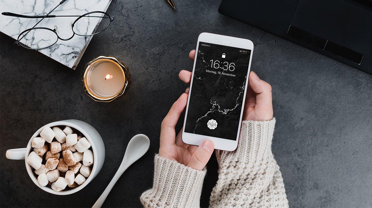 Die GLOSSY Wallpaper im Dezember: Marbellous Winter Beauty für dein Smartphone