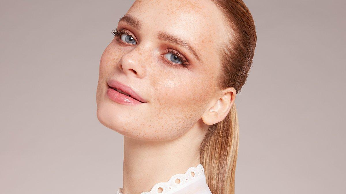 GLOSSY Tutorial: So geht perfekter Teint und passender nude Look