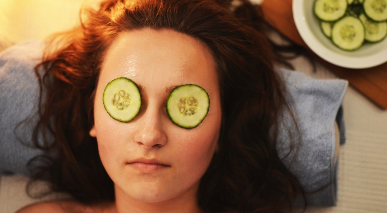 DIY-Gesichtsmaske-GLOSSYBOX-gurke