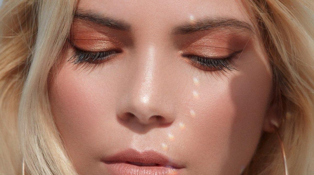 Soft Glam: So schminkst du den zarten Trendlook nach