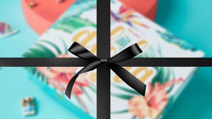 Bist du bereit für die erste Sneak Peek deiner GLOSSYBOX Aloha Edition?