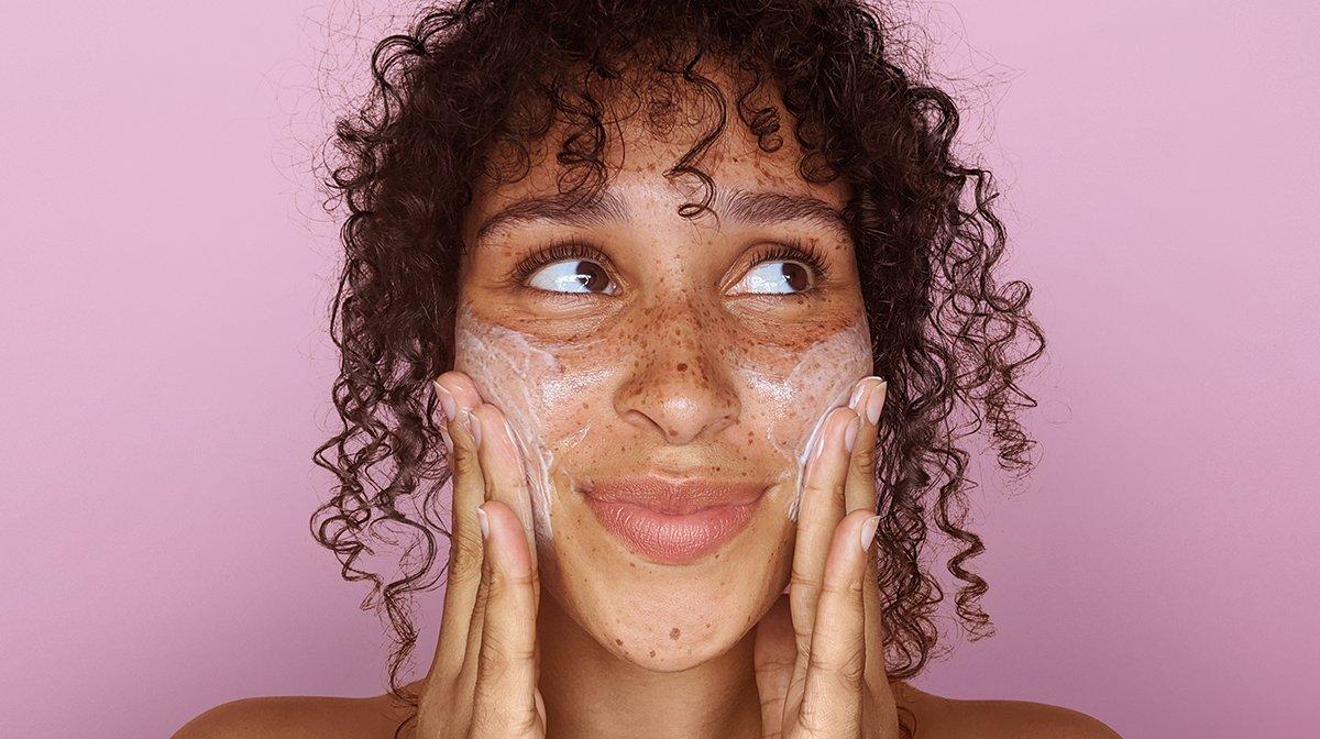 glossybox-skincare-ölige-haut-mischhaut-routine-produkte-anleitung