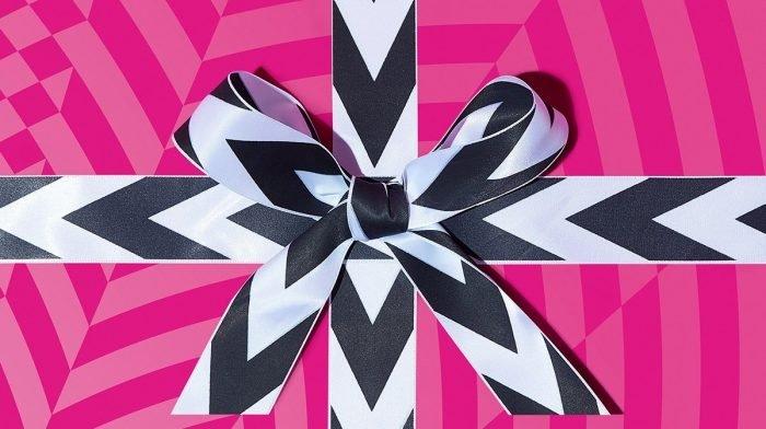 Joyeux anniversaire GLOSSYBOX ! Notre édition d'août et son premier sneak peek