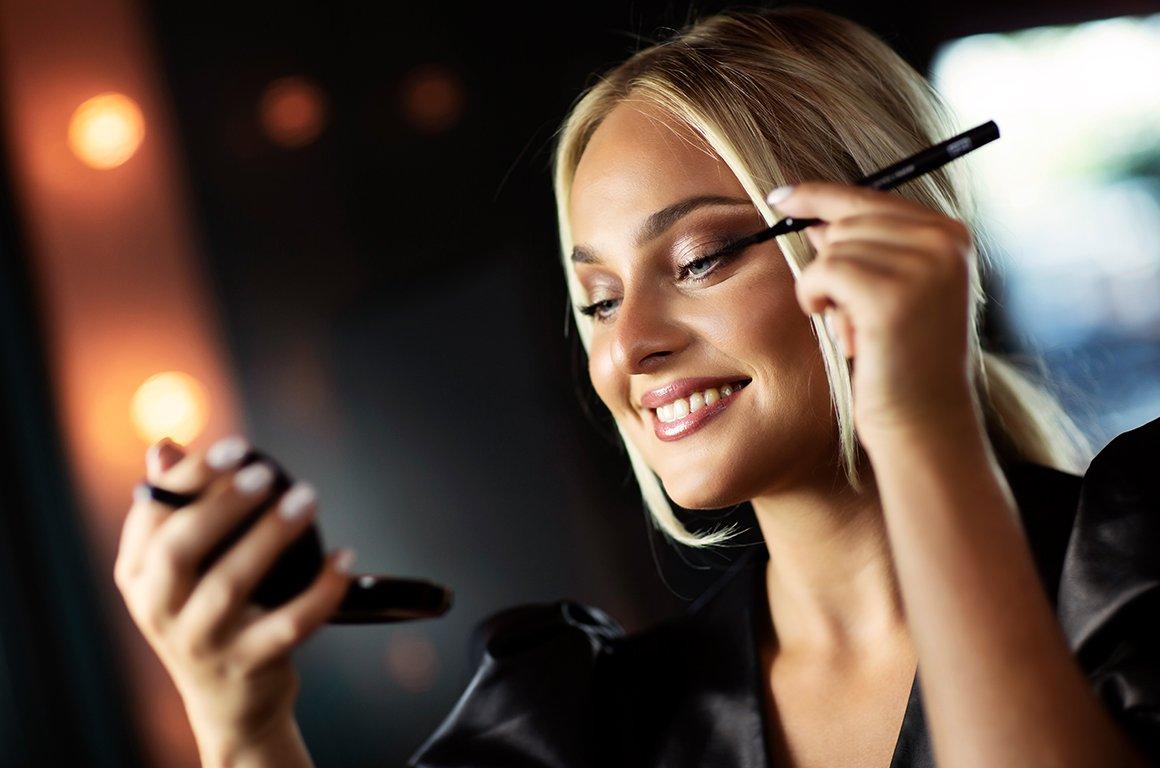 Fina vingar eller 'smokey eyes'? Så skapar du en perfekt eyeliner!