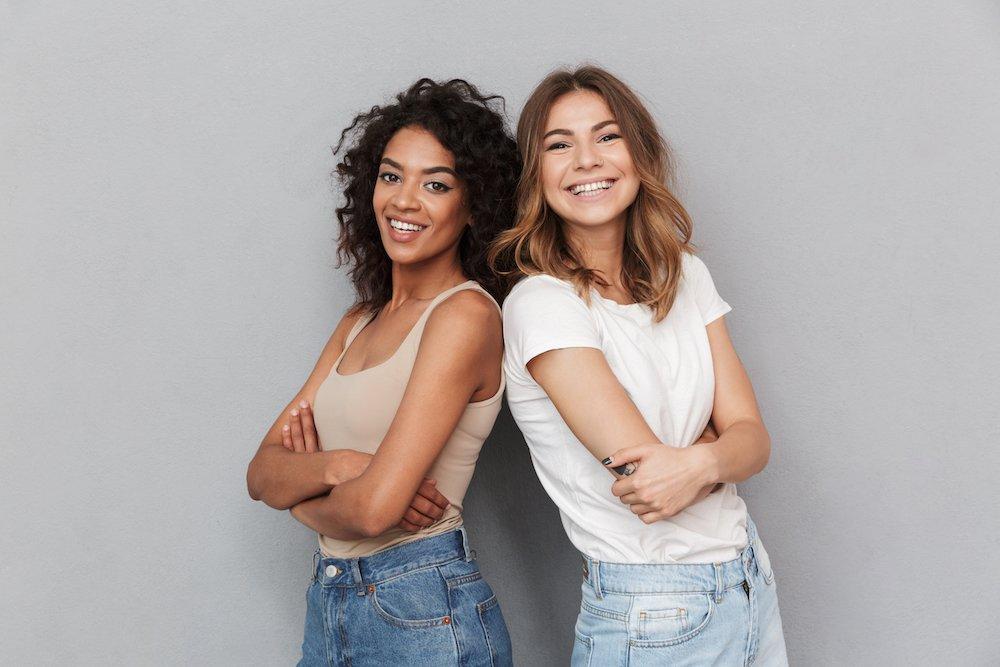 Aktivt kol för ett naturligt vitare leende med Colgate