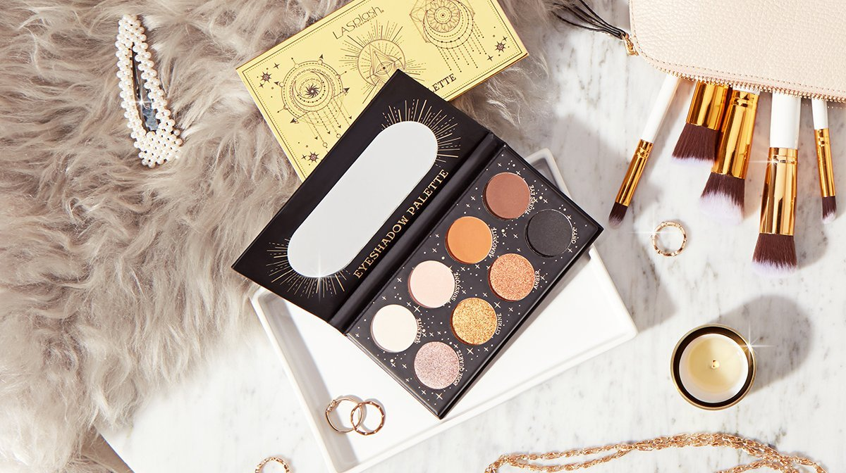 Sneak Peak: Magic Palette i din GLOSSYBOX november ✨