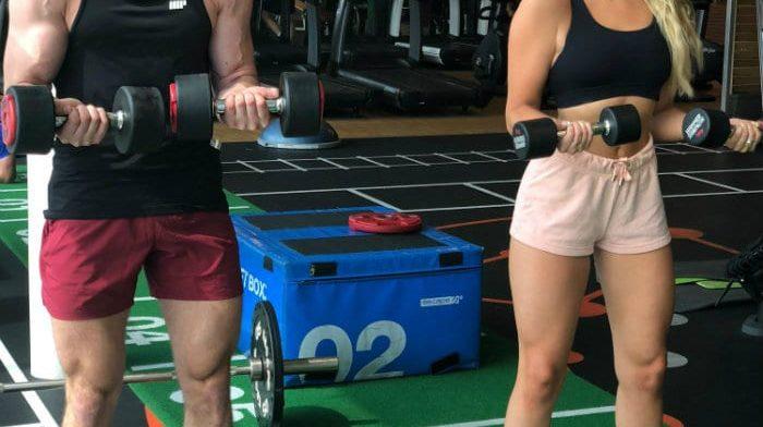 4个情侣一起健身的好理由