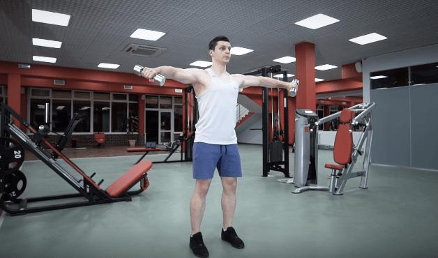 在家也能打造完美肩部的运动