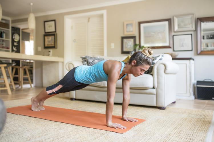 瑜伽 平板撑