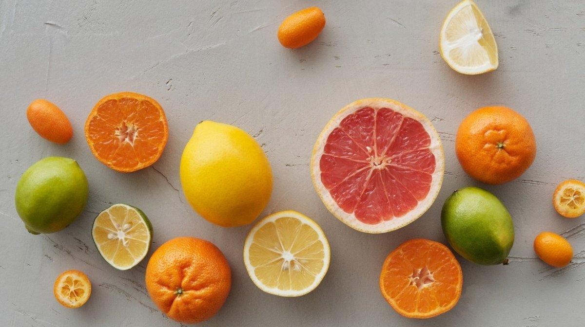 Витамин С для лица. Чем он полезен и как правильно его использовать?