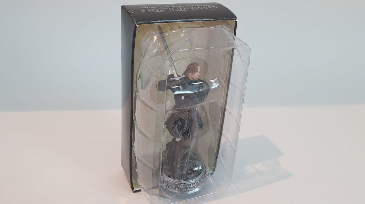 the-hound-figurine