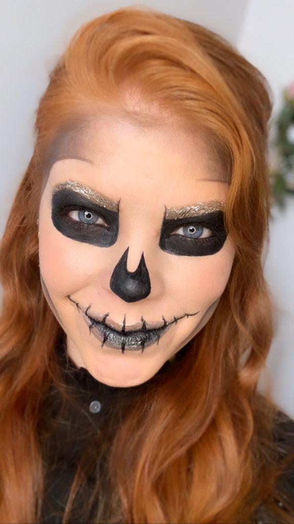 Halloween makeup, skeleton look