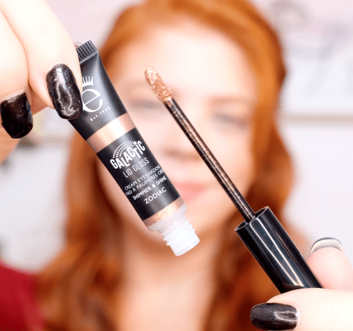 Makeup artist, shimmer makeup tutorial