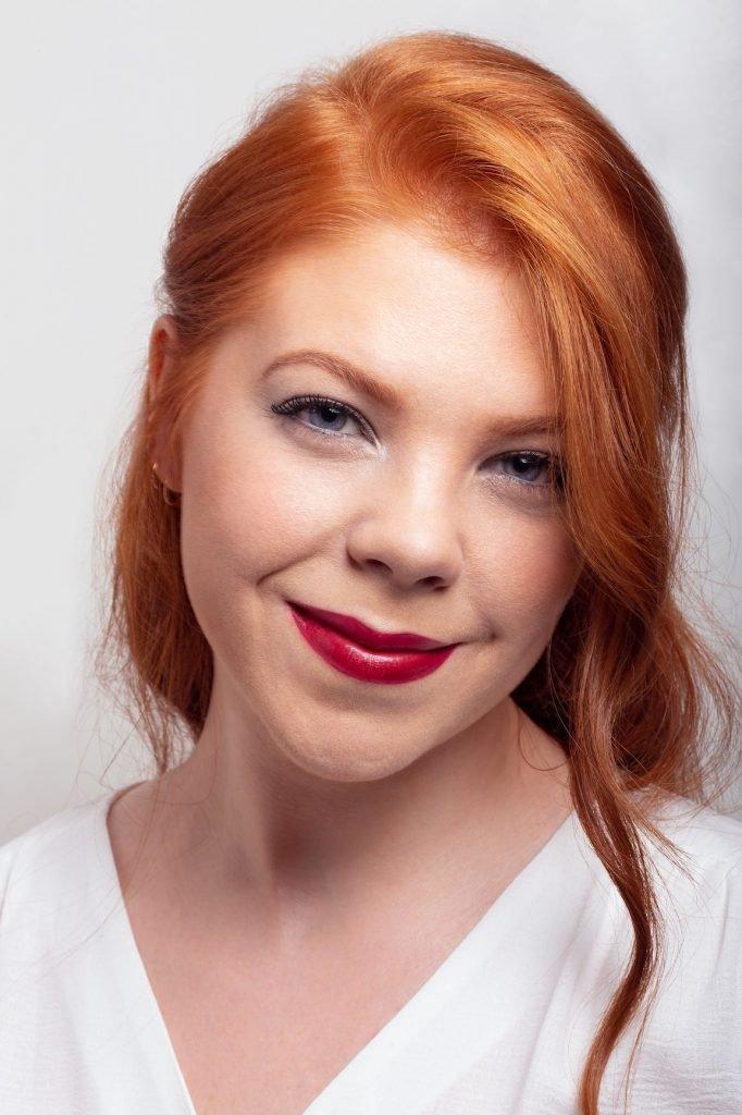 National Trainer Georgina, glitter makeup