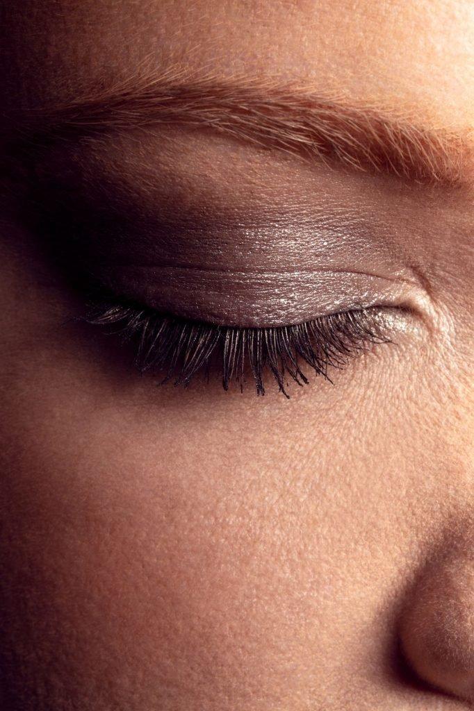 Glitter eyeshadow makeup