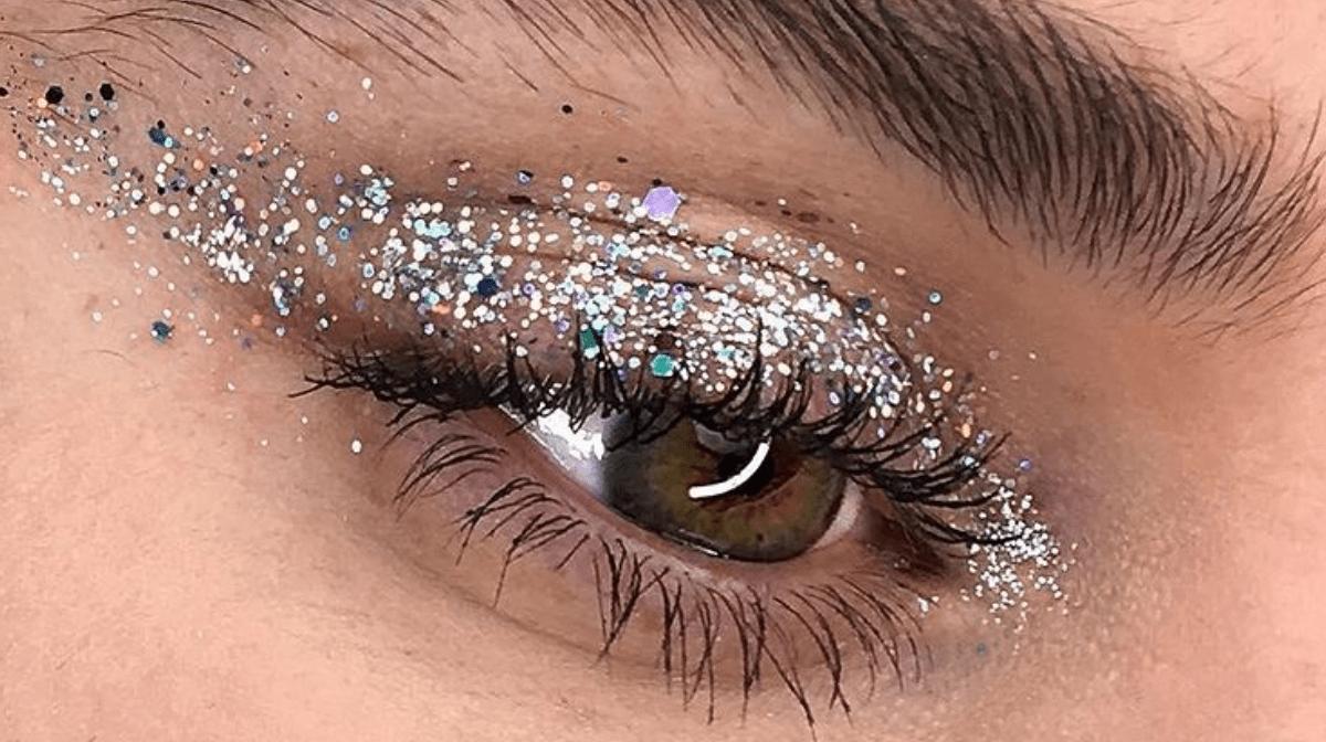 Instagram glitter eye makeup by @Neilsilvermanbeauty