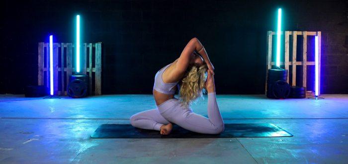 居家健身   30 分鐘伸展瑜珈操   流動瑜珈