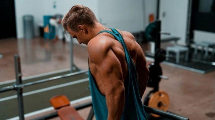 如何做背後臂屈伸訓練三頭肌