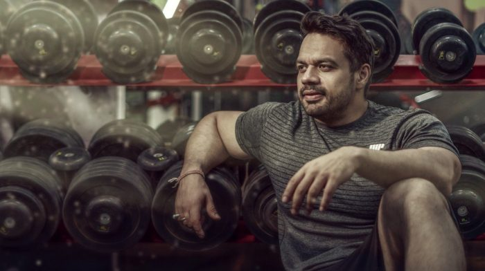 Not Enough Time To Work Out? This Father Balances Bodybuilding With Being A Pilot