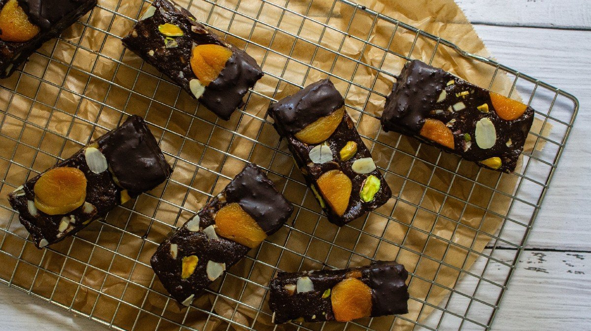 Vegan Gooey Filled Cookie Bars | No Bake, High-Protein