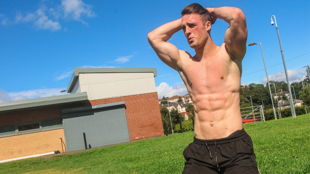 Bodybuilder Tries U.S Air Force Fitness Test