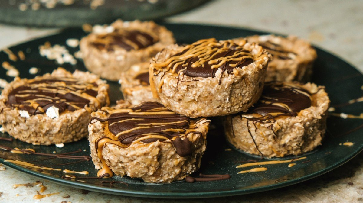 5-Ingredient Peanut Butter Oat Cups