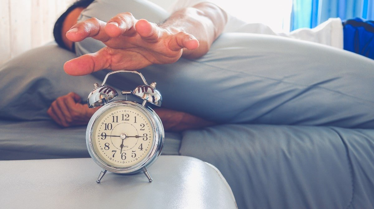 5 Tips To Prep Your Body For Daylight Saving Time This Year