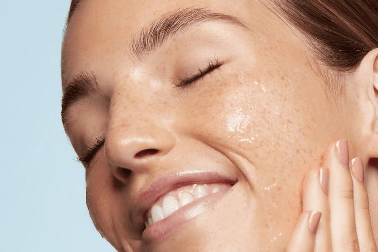 Skincare minimalist