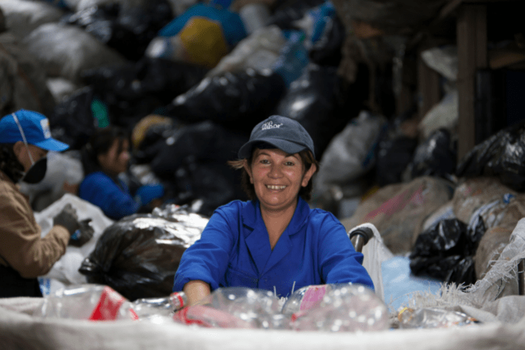 An image of a waste worker sorting waste in Bogota, Columbia