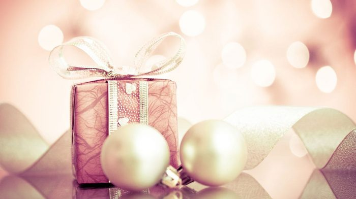 Discover the lookfantastic Holiday Edit, featuring the best premium beauty gifts