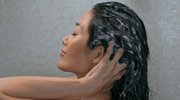 Comment prendre soin de son cuir chevelu ?