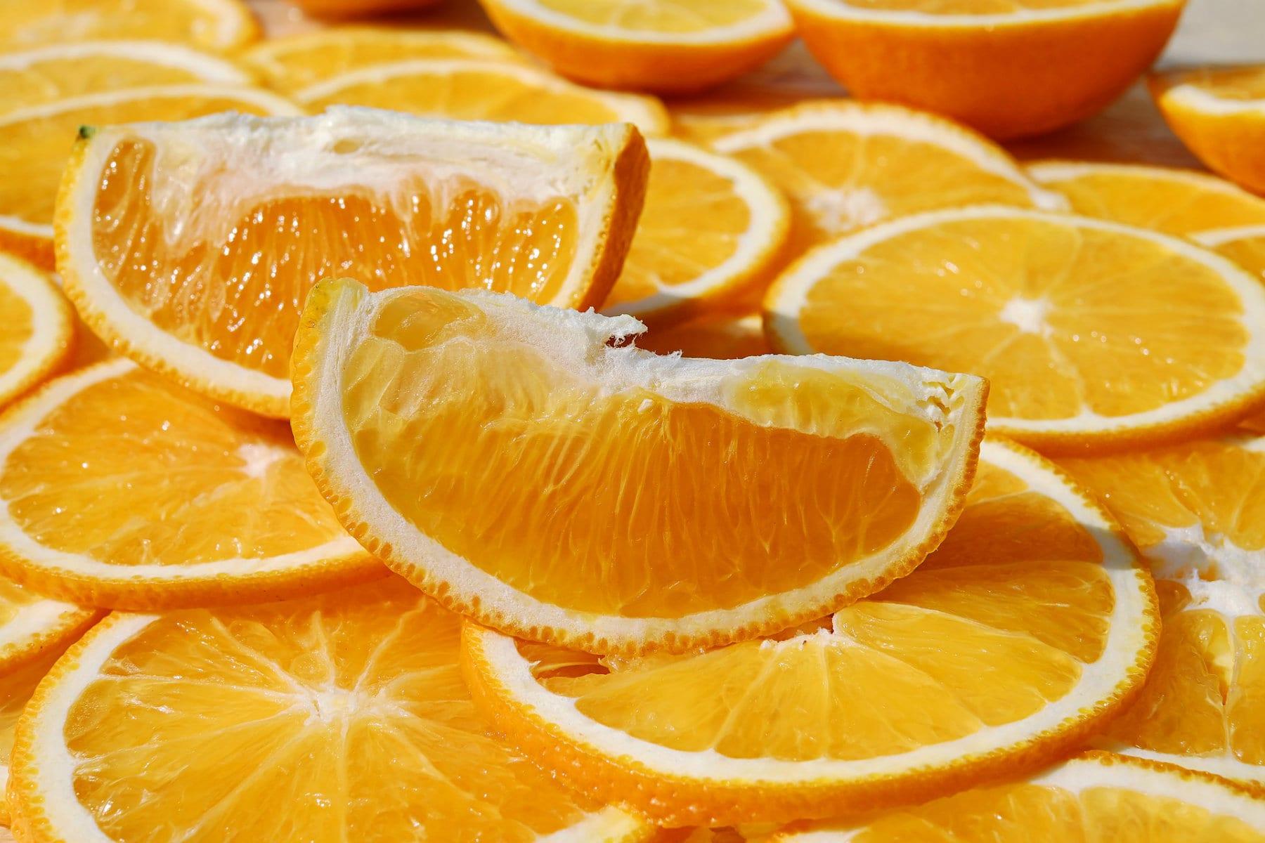 Vitamín C | Čo to vôbec je a aké má účinky? Aké sú symptómy deficitu? Vktorých potravinách ho nájdeme?