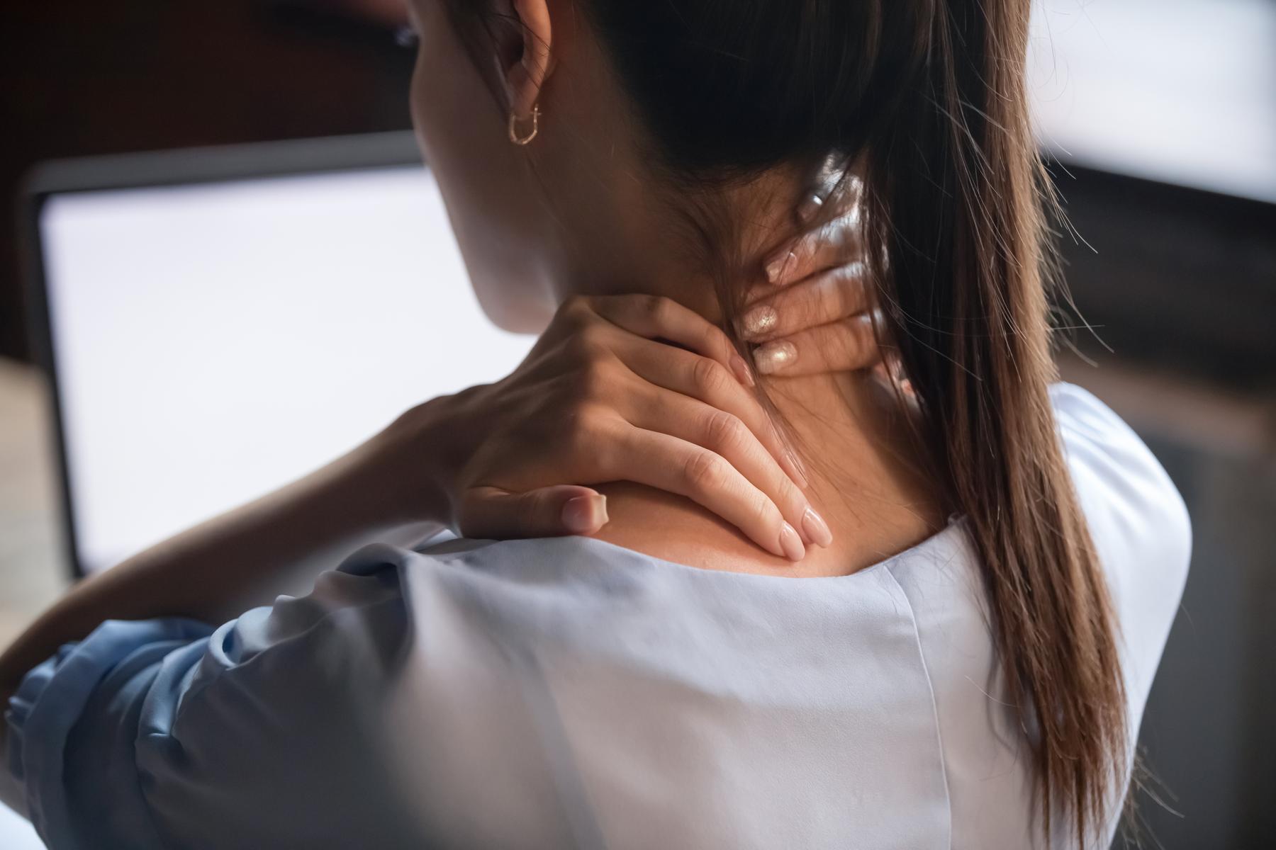 Štyri jednoduché cviky na zlepšenie postoja aúľavu od bolesti chrbta