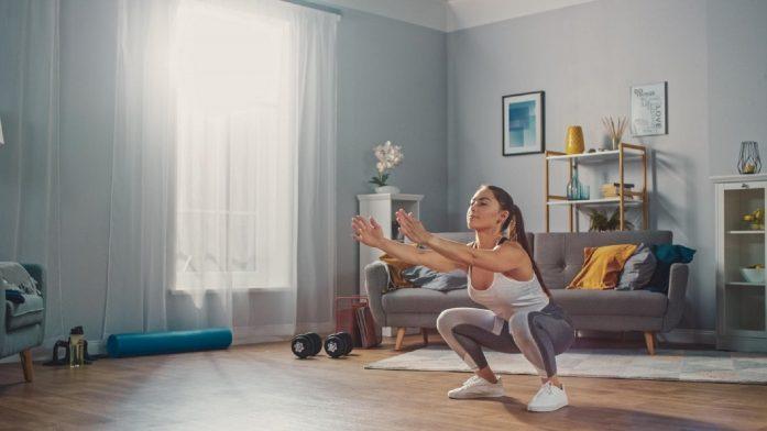 Vybudujte si krásny zadok zpohodlia domova |Horúci tréning od Em Ricketts