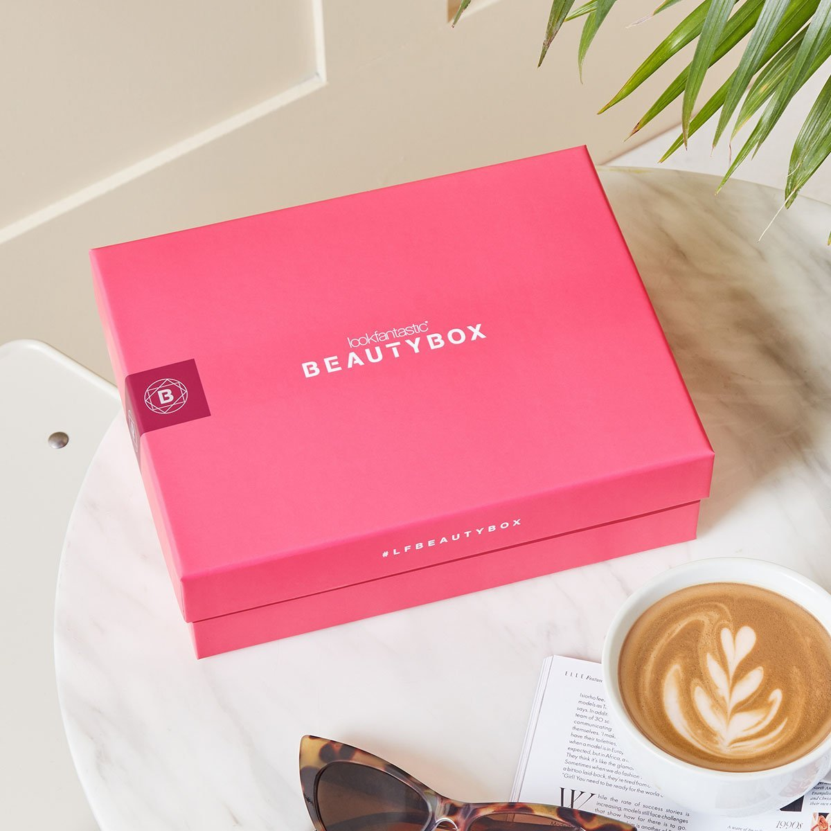 Ontdek de lookfantastic februari Amour Beauty Box