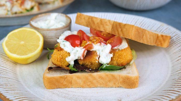 Hemlagad smörgås med fiskpinnar