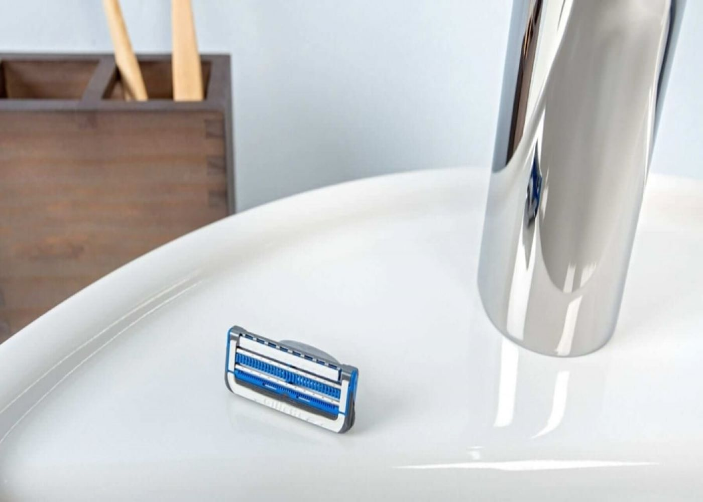 How to Care for Your Razor: Blade Cleaning and Storage Tips