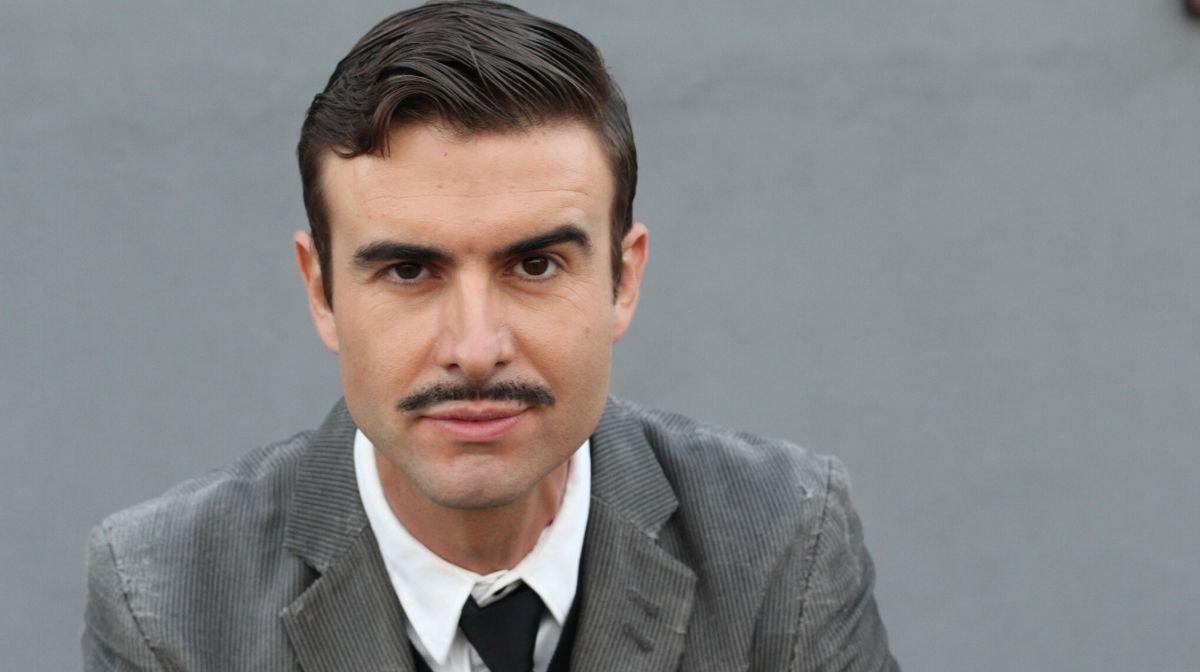 How to Shave a Pencil Moustache